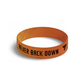 WRISTBAND 045 NEVER BACK DOWN